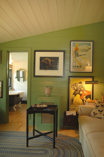 Surprisingly Gorgeous Ambience in Your Home with Vintage Posters