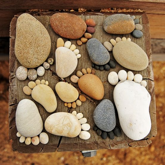25 Amazing DIY Stepping Stone Ideas for your Garden