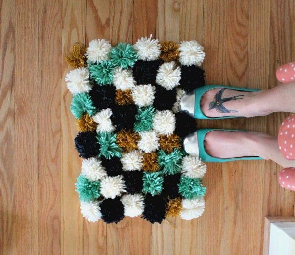 26 Super Easy DIY Rug Tutorials For Your Home