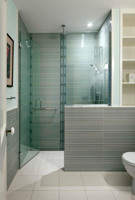 21 Elegant Bathrooms Decorated With Stripes Pattern Tiles