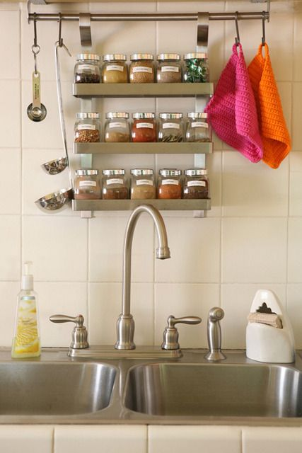 27 Lovely Vintage Kitchen Storage Solutions