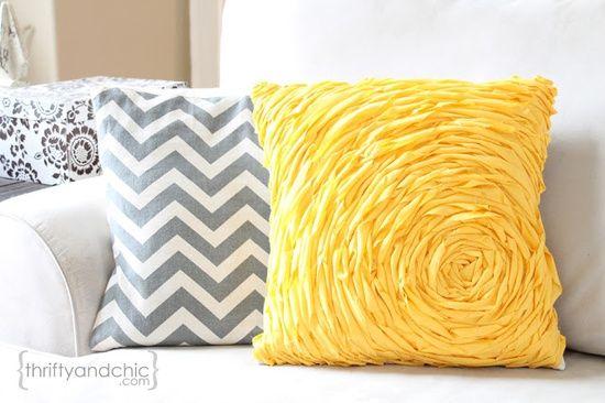 25 incredible diy throw pillows Diy Sofa Pillows