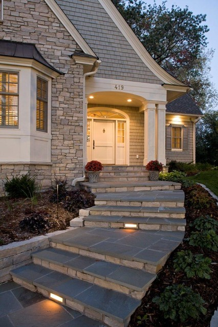 23 creative ideas of traditional outdoor front entry steps for Outside foyer designs