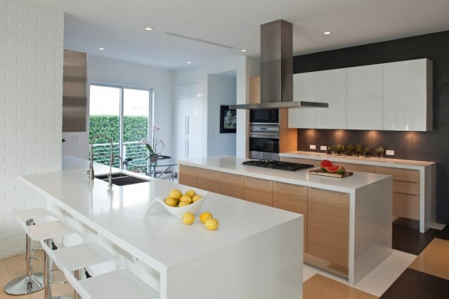 96 Golden Beach Residence in Golden Beach, Florida