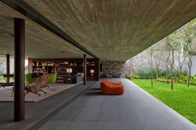 V4 house by Studio mk27 in Sao Paulo, Brazil