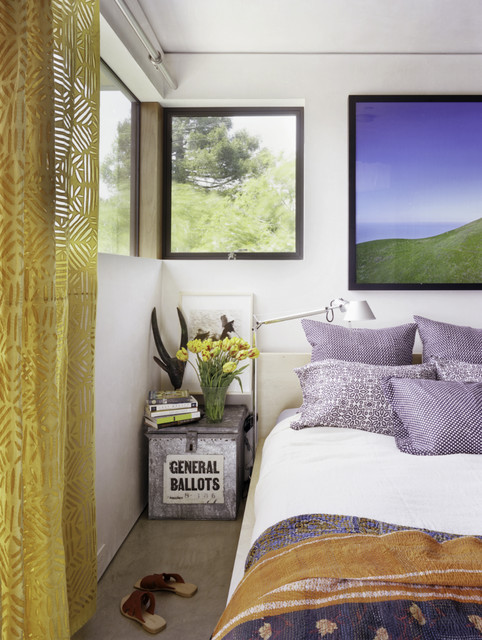 17 Unique Nightstands for Charming Dream Bedroom