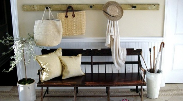 19 Wonderful Repurposed Vintage Benches For Your Hallway