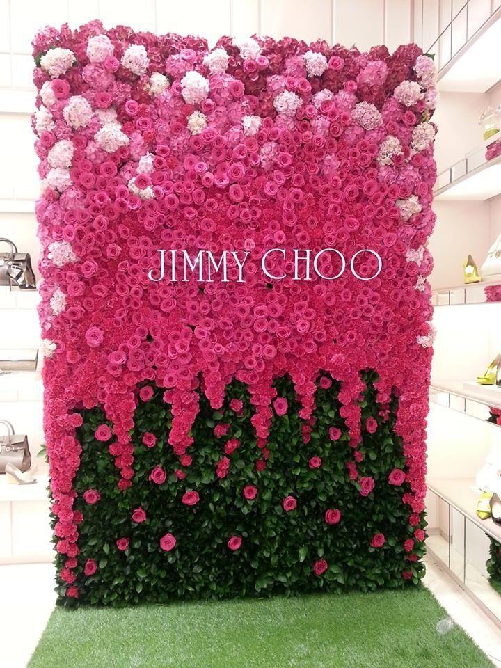 Стена из искусственных цветов своими руками