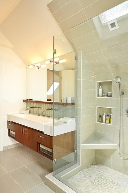 Efficient Use Of Your Attic: 18 Sleek Attic Bathroom Design Ideas