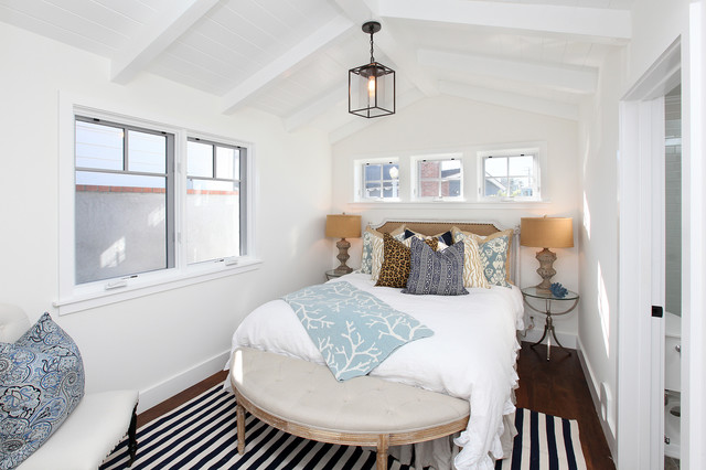 23 Clever Ideas of Decorating Small Beautiful Bedrooms on Beautiful Small Room  id=74572