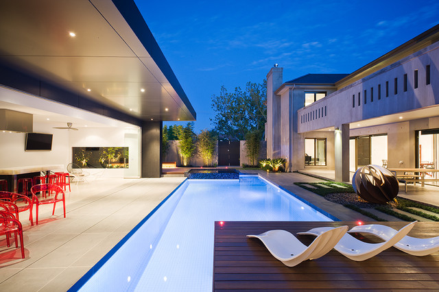 18 small but beautiful swimming pool design ideas for Disadvantage of indoor swimming pool