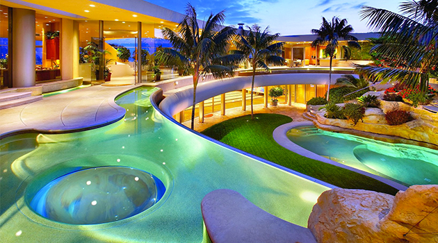 20 Dream Backyards for Your Ideal Home