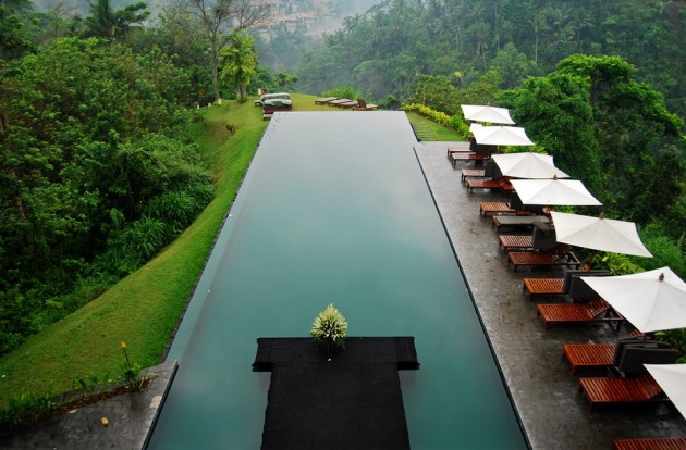 16 Of The World's Most Awesome Swimming Pools
