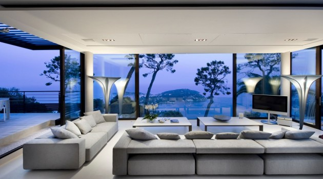 Exceptional Design That Wows- Fantastic Living Room Ideas with Glass Wall