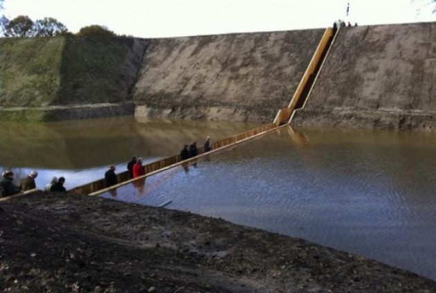 10 Extraordinary Bridges You Must Cross
