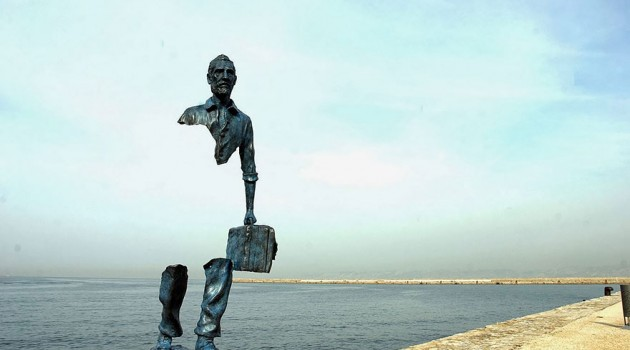 14 Exquisite Sculptures Around The Globe That Will Attract Your Attention