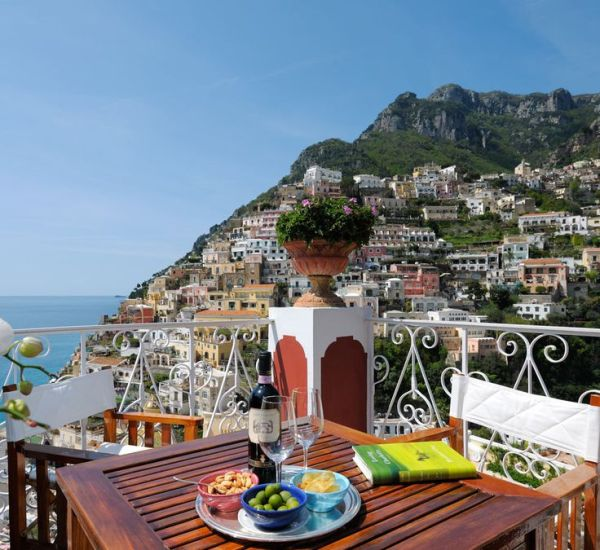 12 Stunning Hotel Balconies with Most Amazing Views in The World