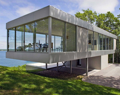 10 unbelievable see through glass house designs for Glass house plans and designs