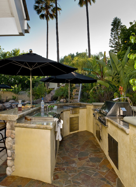 16 Amazing Ideas How To Make Functional Outdoor Kitchen