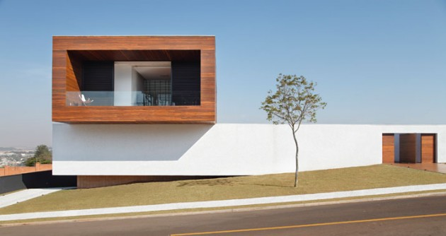 A Contemporary LA House by Studio Guilherme Torres