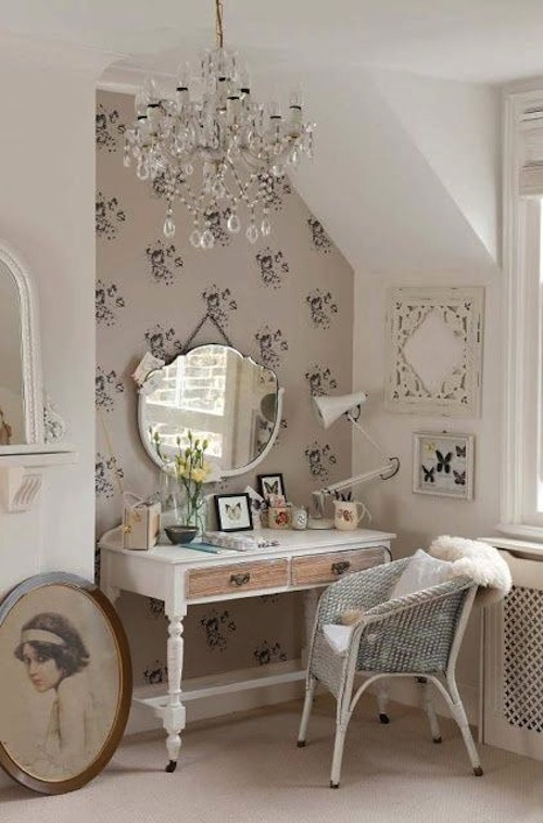 15 Delightful Vintage Make-up Dresser Design Ideas