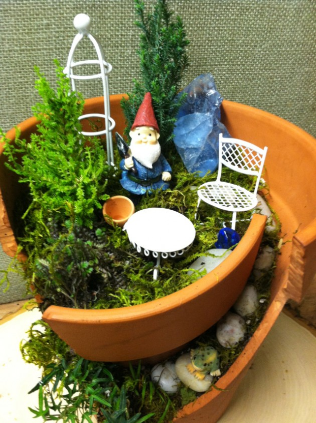The Most Creative Ideas to Make Fairy Mini Garden from Broken Pots