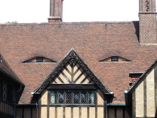 15 Surprising Human Face House Exterior Designs