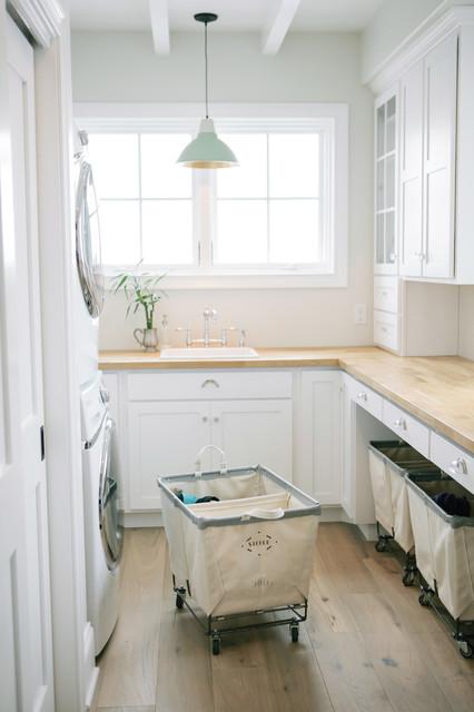 17 Elegant Traditional Laundry Design Ideas