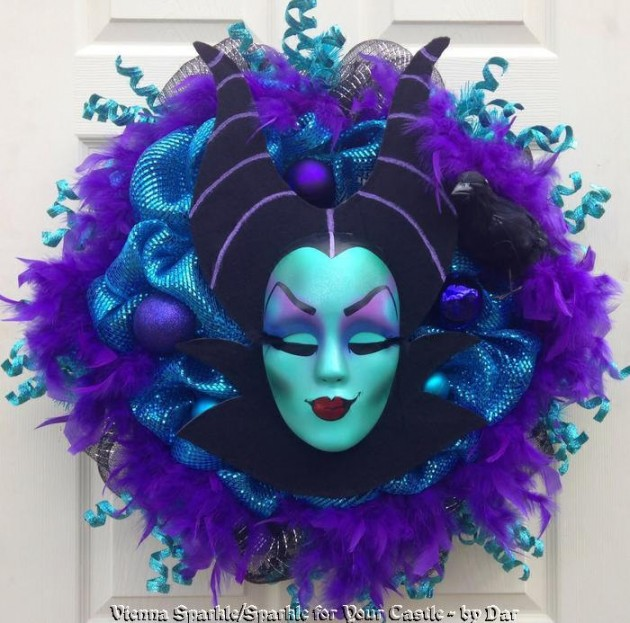 15 Fearsome Handmade Halloween Wreath Designs For Your Front Door