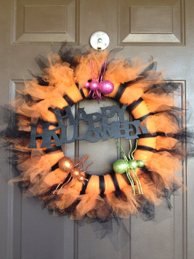 15 Fearsome Handmade Halloween Wreath Designs For Your Front Door
