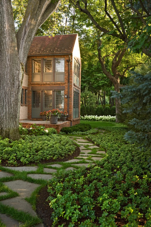 15 Sensational Traditional Landscape Designs For Your Garden