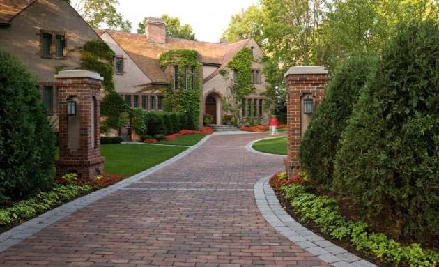 15 Sensational Traditional Landscape Designs For Your Garden