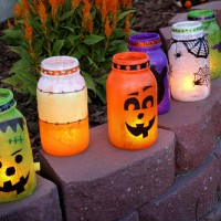 21 The Most Fascinating DIY Spooky Mason Jars You Must See