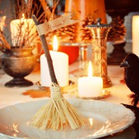 Totally Cool DIY Table Decorations for Amazing Halloween Party