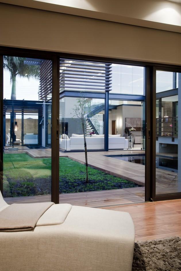 Abo Villa by Werner van der Meulen