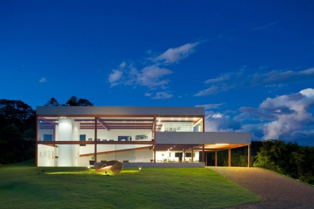 Top 12 Magnificent Contemporary Houses That Will Leave You Breathless
