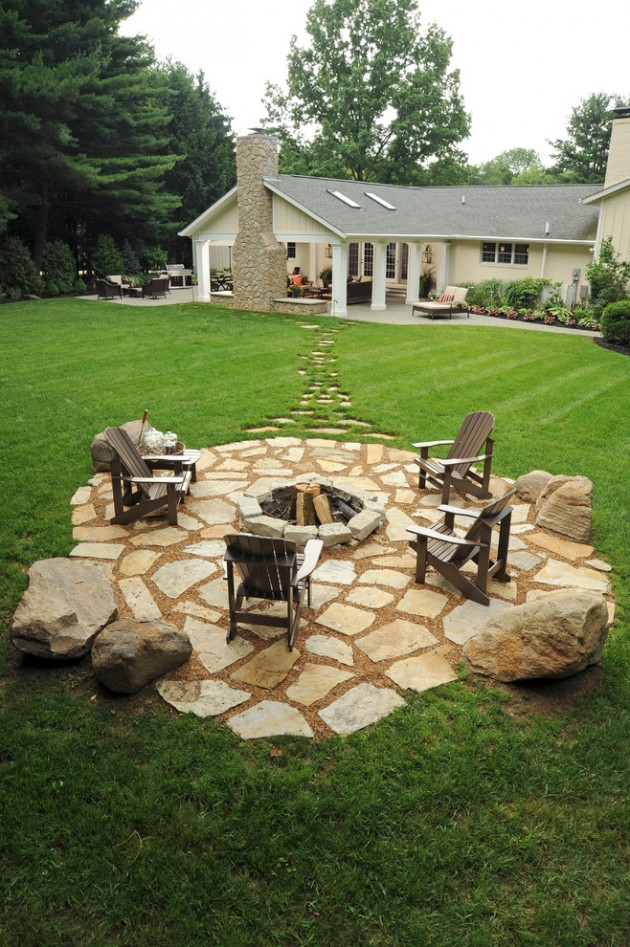 15 Wonderful Traditional Patio Setups For Your Backyard