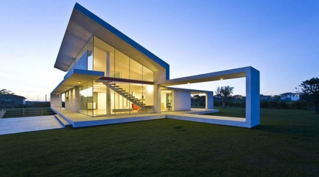 10 Extravagant Houses with Unique and Remarkable Design