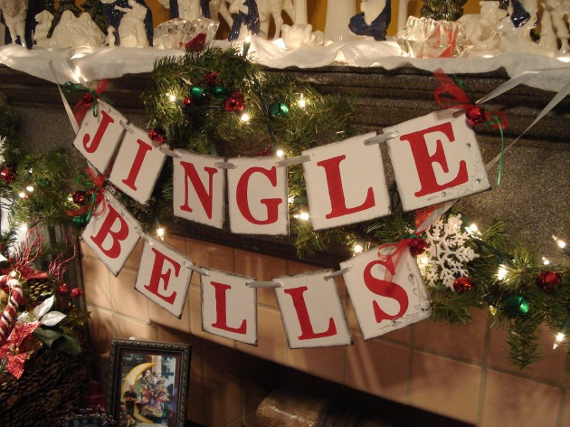 17 Magical Christmas Banner Designs You Can Make By Yourself