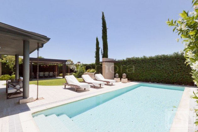 7 Impeccable Luxury Villas Located in La Finca, North West Madrid
