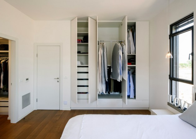 14 Functional & Space Saving Built-In Closet Design Ideas