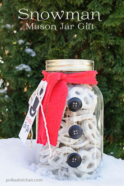 17 Fun & Easy DIY Mason Jar Crafts That Will Get You Excited for Christmas