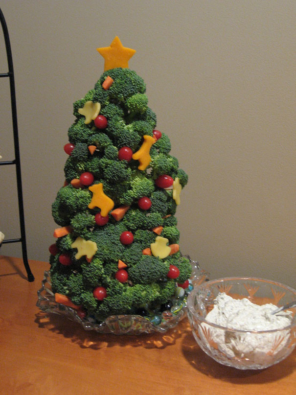 17 Extremely Creative Christmas Tree Ideas That You Can