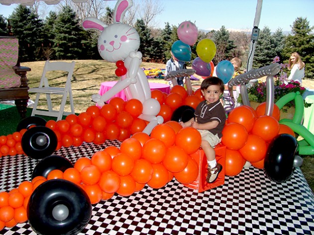 20 fabulous balloon decorations you can get ideas from for for Balloon decoration cars theme