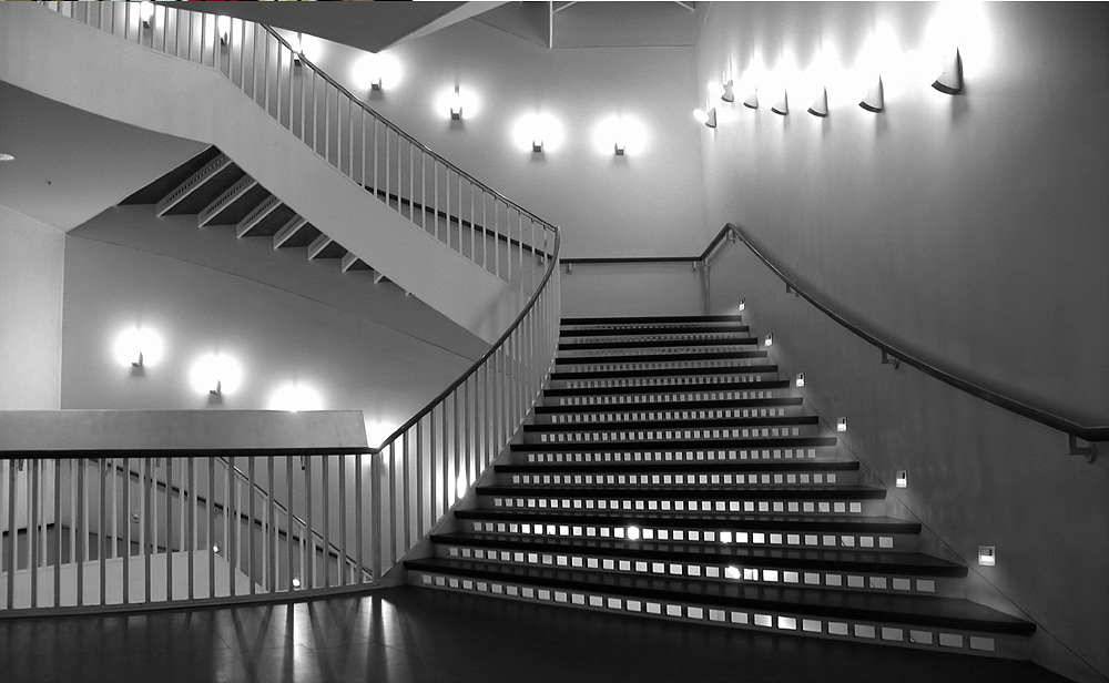 Light Up Your Indoor Stairway