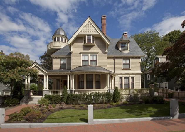 15 Impressive Victorian House Designs That Abound With Elegance