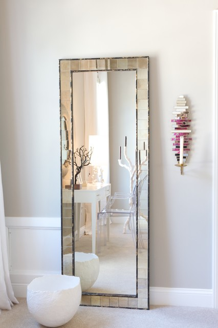Decorate Your Home With a Beautiful Mirror