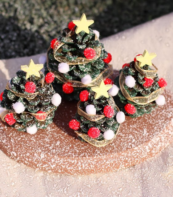 18 The Most Cheapest & Astonishing DIY Pine Cones Christmas Decorations