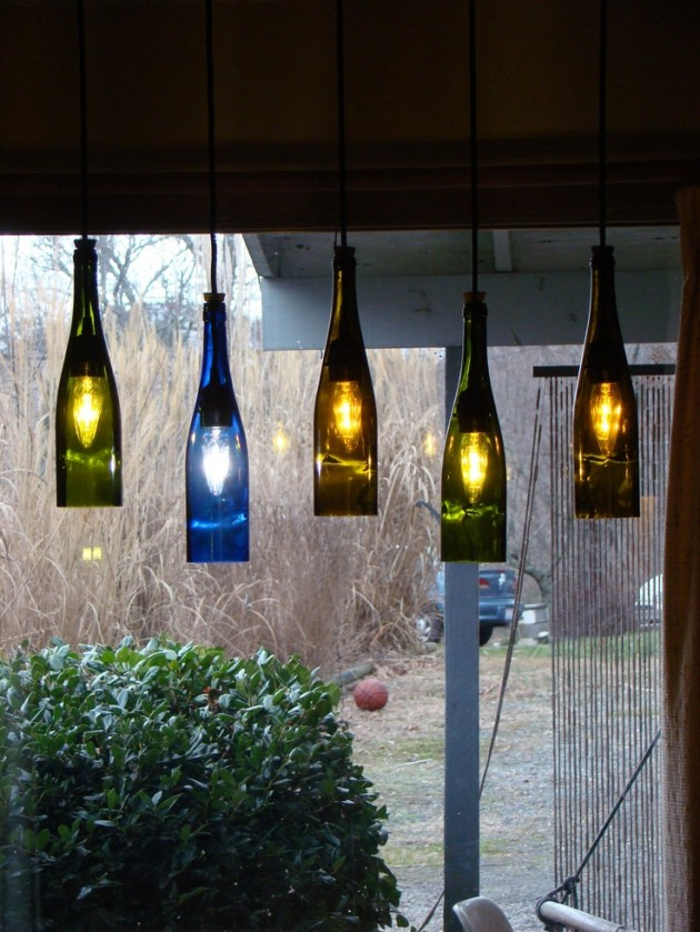 19 inexpensive creative diy wine bottle lighting ideas for Diy projects with wine bottles