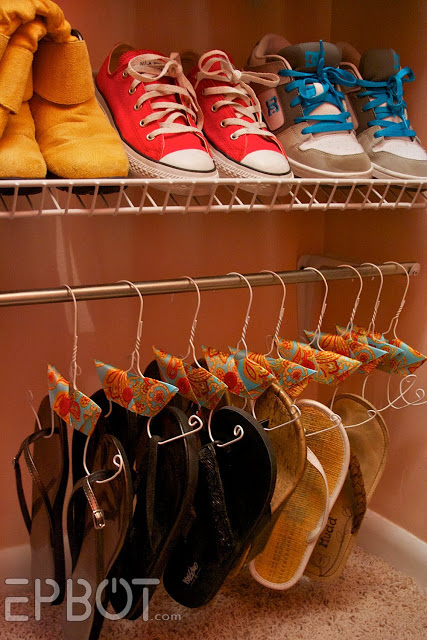 22 Seriously Life-Changing Tricks For Tiny Closet Organisation That Are Worth Seeing